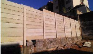Muro Pré-fabricado com Placas